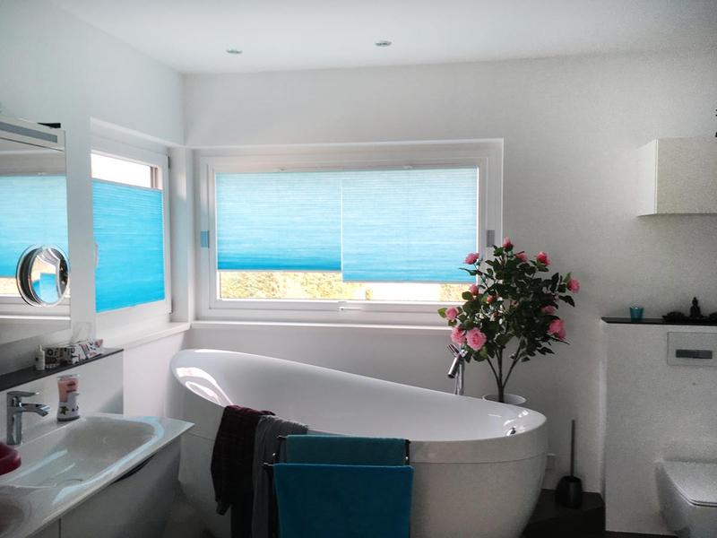 wabenplissees im bad bieser raumaustattung. Black Bedroom Furniture Sets. Home Design Ideas