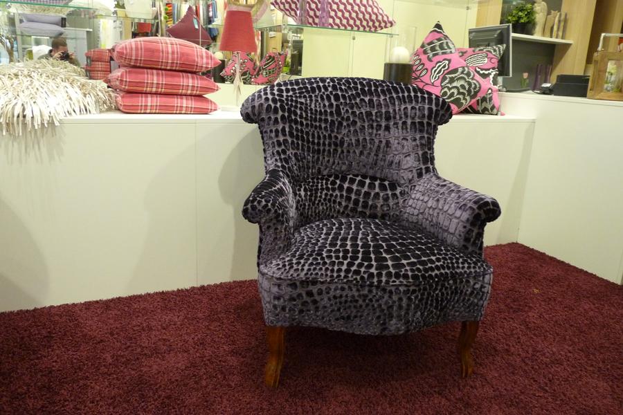 sessel frisch bezogen bezugsstoff von designers guild. Black Bedroom Furniture Sets. Home Design Ideas