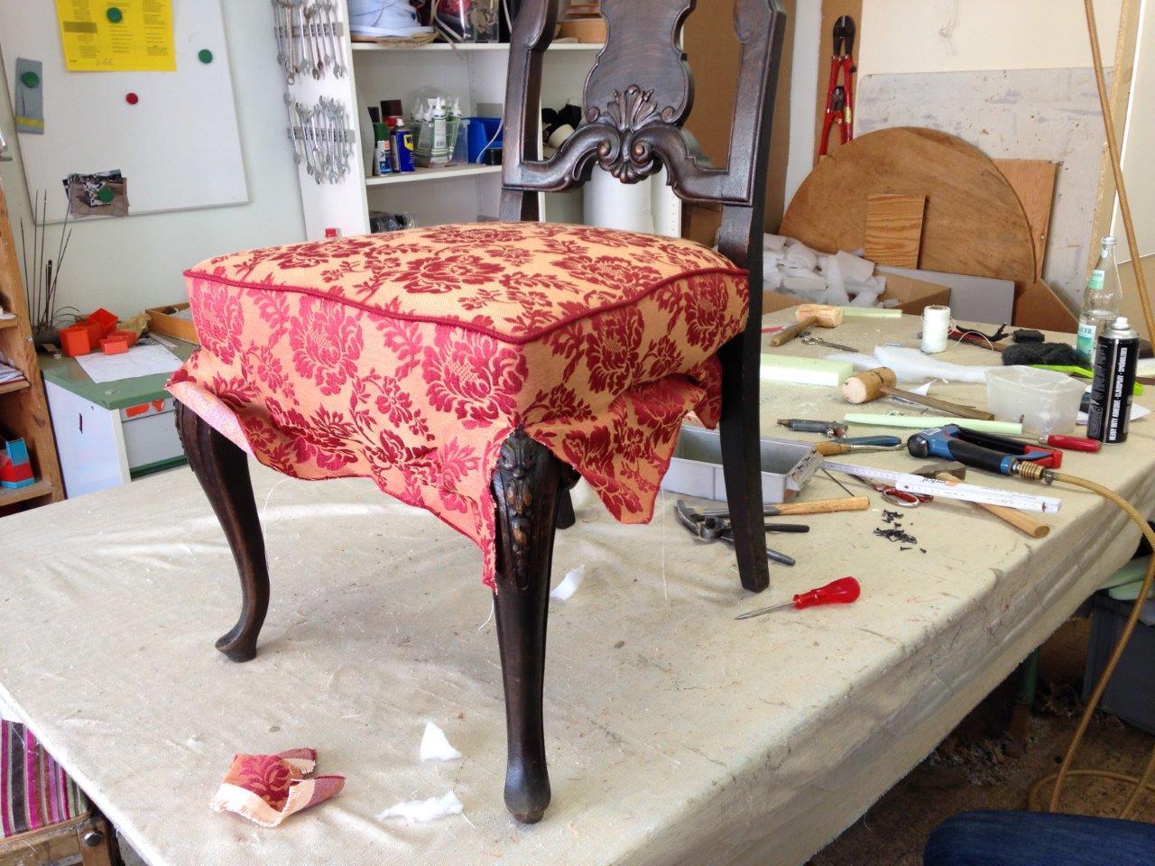 Stühle Beziehen alte stühle aufgepolstert und frisch bezogen bieser raumaustattung