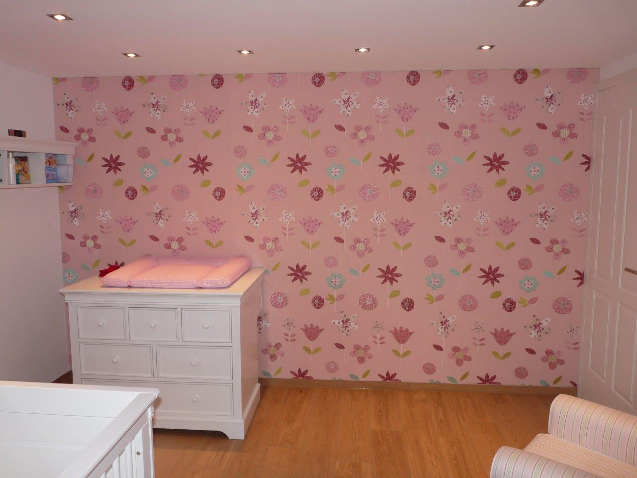 Wandbespannung und ein rosa m dchentraum bieser for Wand mit stoff bespannen